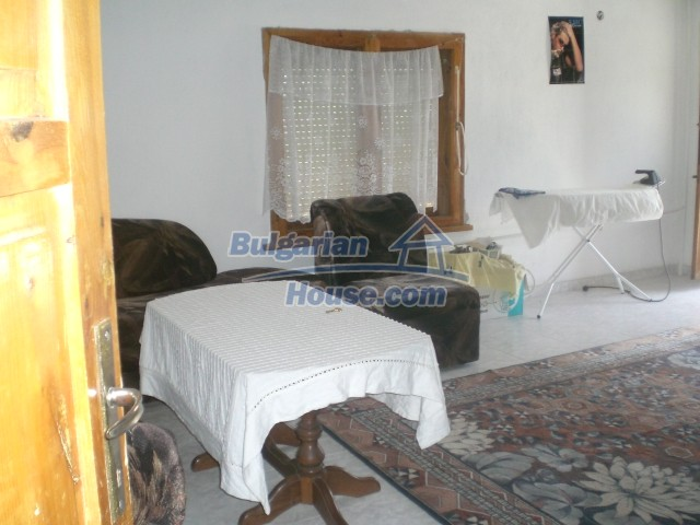 10568:32 - House near Kazanlak in Stara Zagora region,near lake,Aqua park