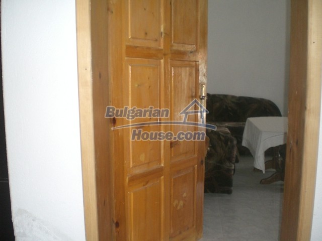 10568:31 - House near Kazanlak in Stara Zagora region,near lake,Aqua park