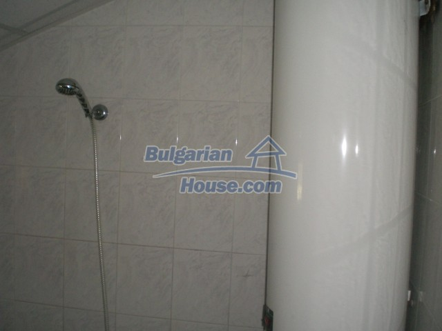 10568:53 - House near Kazanlak in Stara Zagora region,near lake,Aqua park