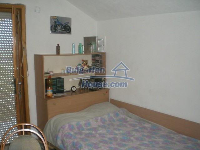 10568:46 - House near Kazanlak in Stara Zagora region,near lake,Aqua park