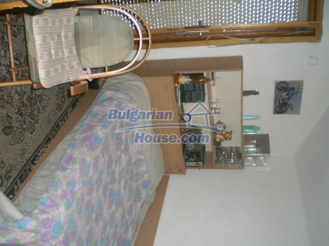 10568:50 - House near Kazanlak in Stara Zagora region,near lake,Aqua park