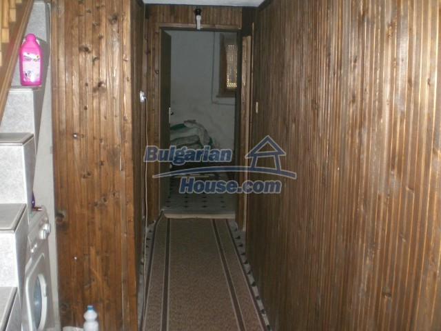 10568:56 - House near Kazanlak in Stara Zagora region,near lake,Aqua park