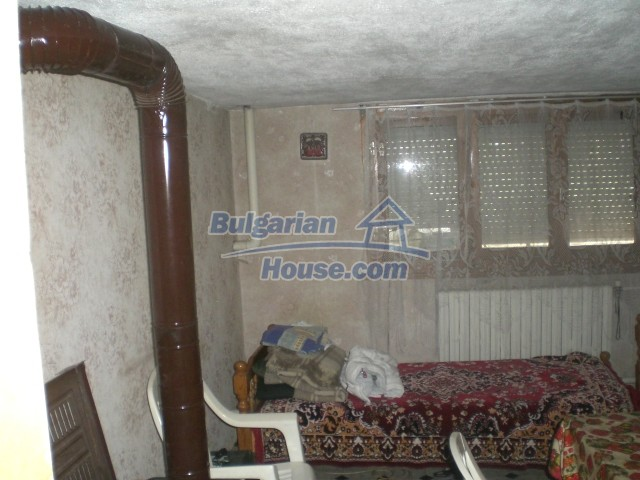 10568:62 - House near Kazanlak in Stara Zagora region,near lake,Aqua park