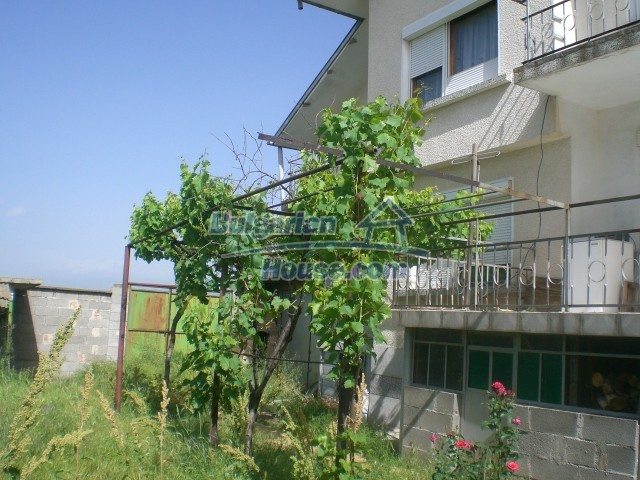 10568:72 - House near Kazanlak in Stara Zagora region,near lake,Aqua park