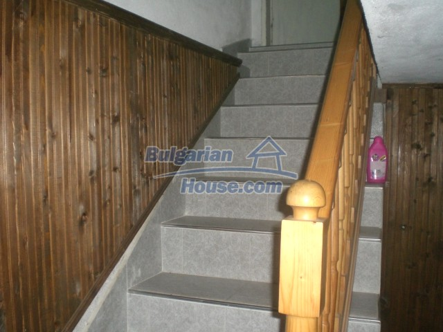 10568:69 - House near Kazanlak in Stara Zagora region,near lake,Aqua park