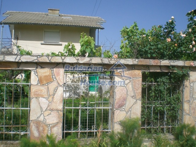 10568:83 - House near Kazanlak in Stara Zagora region,near lake,Aqua park