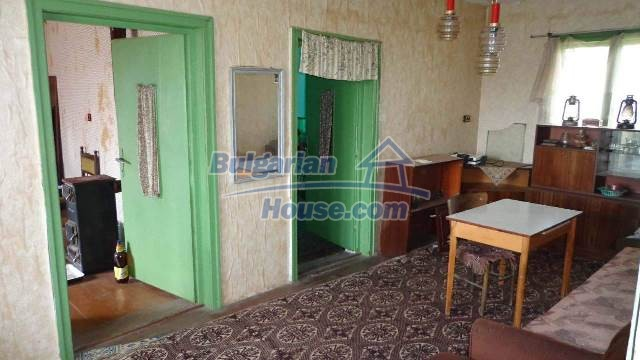 12721:4 - Cheap Bulgarian house for sale near Montana nearby river