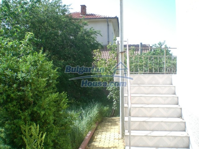 10568:82 - House near Kazanlak in Stara Zagora region,near lake,Aqua park