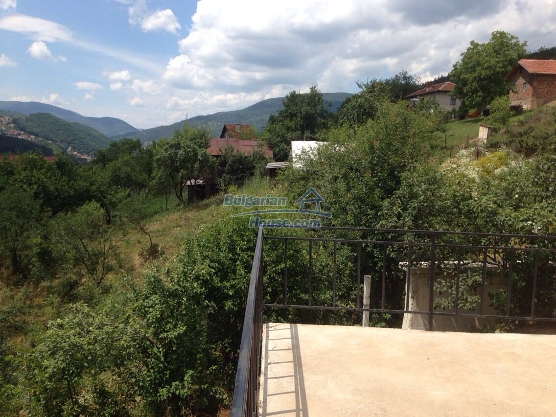 11548:2 - Splendid completed house with enthralling views near Sofia