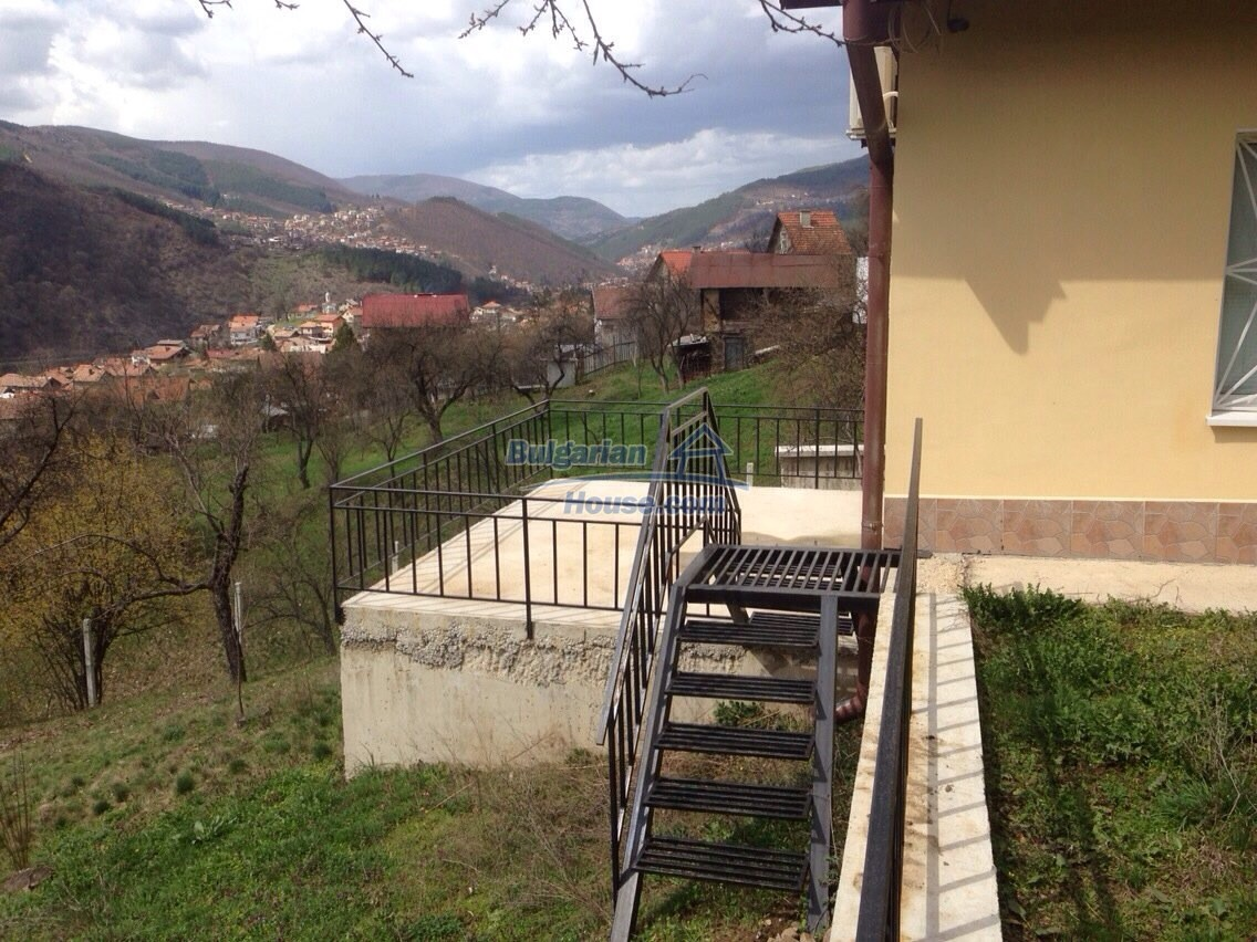 11548:42 - Splendid completed house with enthralling views near Sofia