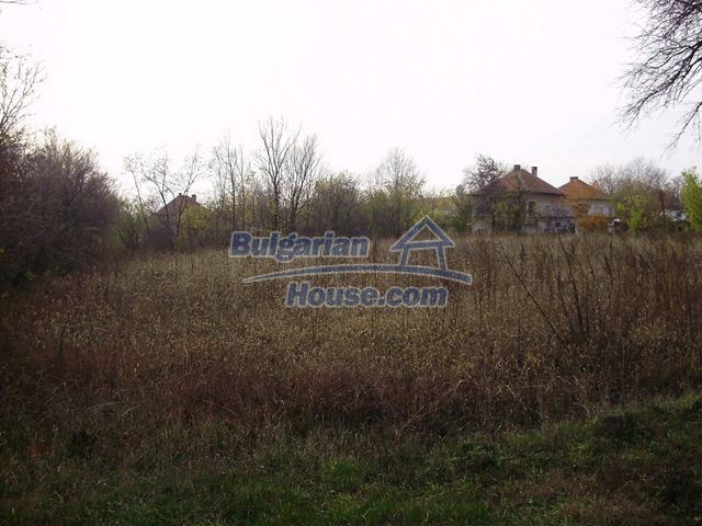 12755:11 - Bulgarian house with garden of 5500 sq.m land 48 km from Vratsa