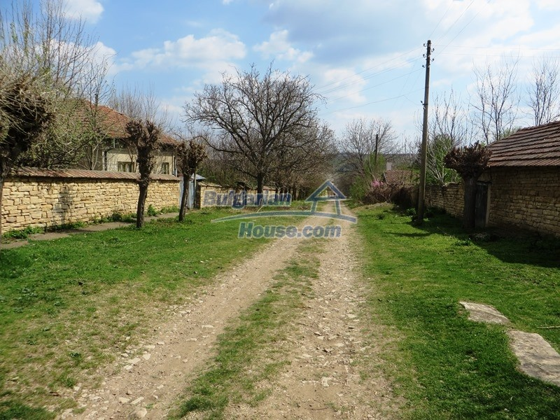 12655:2 - Cozy renovated 3 bedroom Bulgarian house with private garden