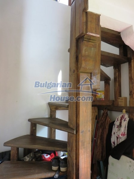 12655:11 - Cozy renovated 3 bedroom Bulgarian house with private garden