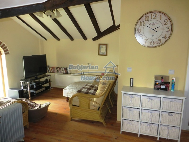12655:31 - Cozy renovated 3 bedroom Bulgarian house with private garden