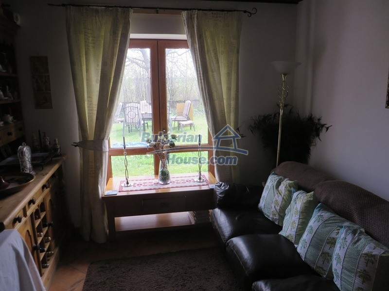 12655:20 - Cozy renovated 3 bedroom Bulgarian house with private garden