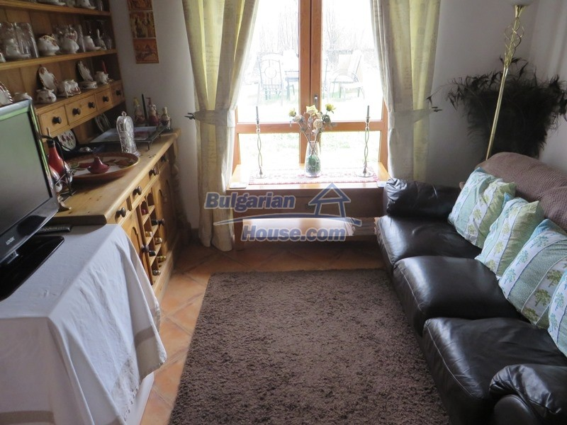 12655:21 - Cozy renovated 3 bedroom Bulgarian house with private garden