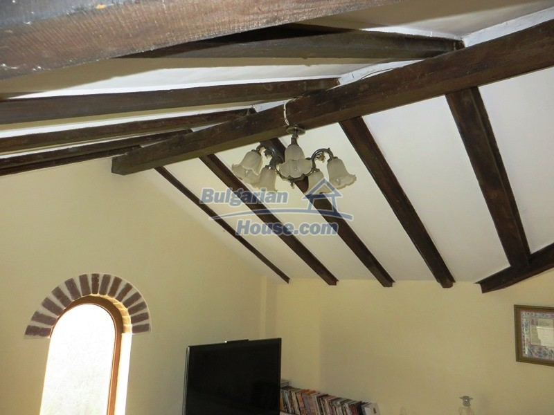12655:33 - Cozy renovated 3 bedroom Bulgarian house with private garden