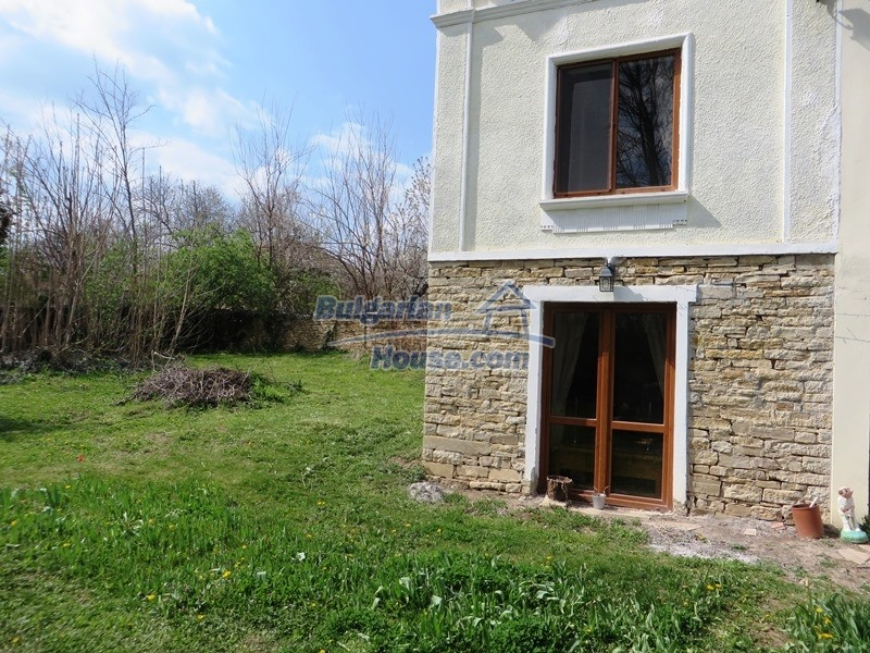 12655:44 - Cozy renovated 3 bedroom Bulgarian house with private garden