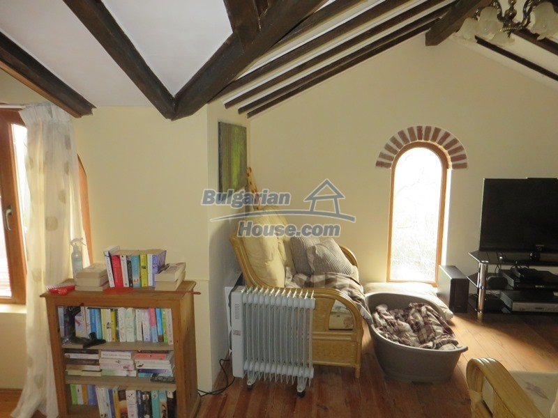 12655:39 - Cozy renovated 3 bedroom Bulgarian house with private garden