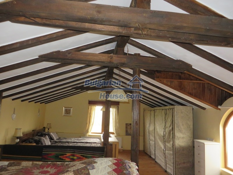 12655:38 - Cozy renovated 3 bedroom Bulgarian house with private garden
