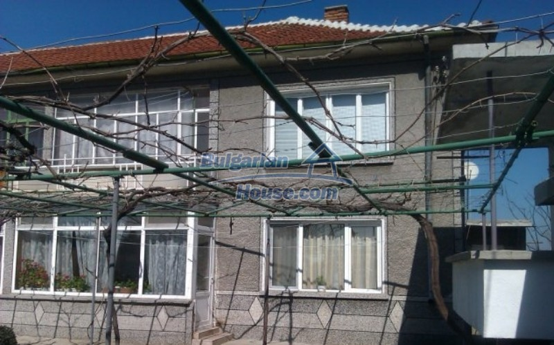 12012:2 - Spacious partly furnished property in Galabovo