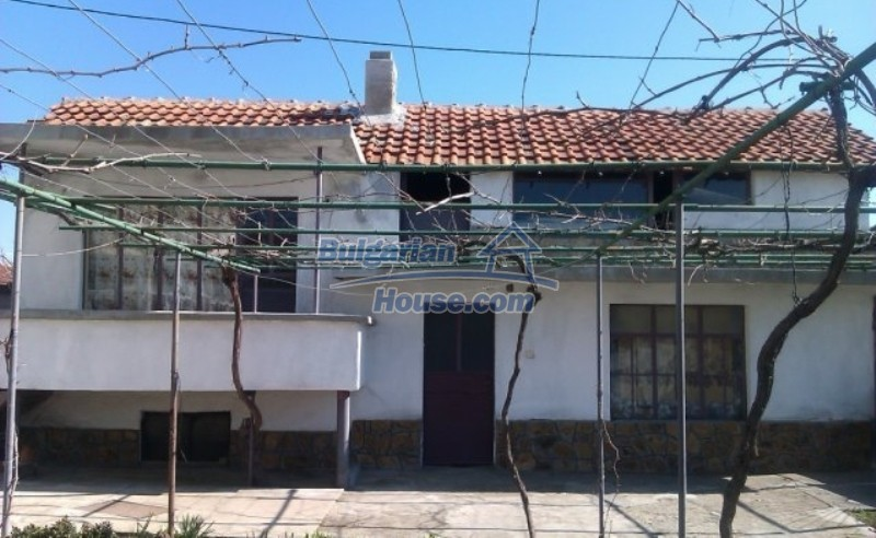 12012:3 - Spacious partly furnished property in Galabovo
