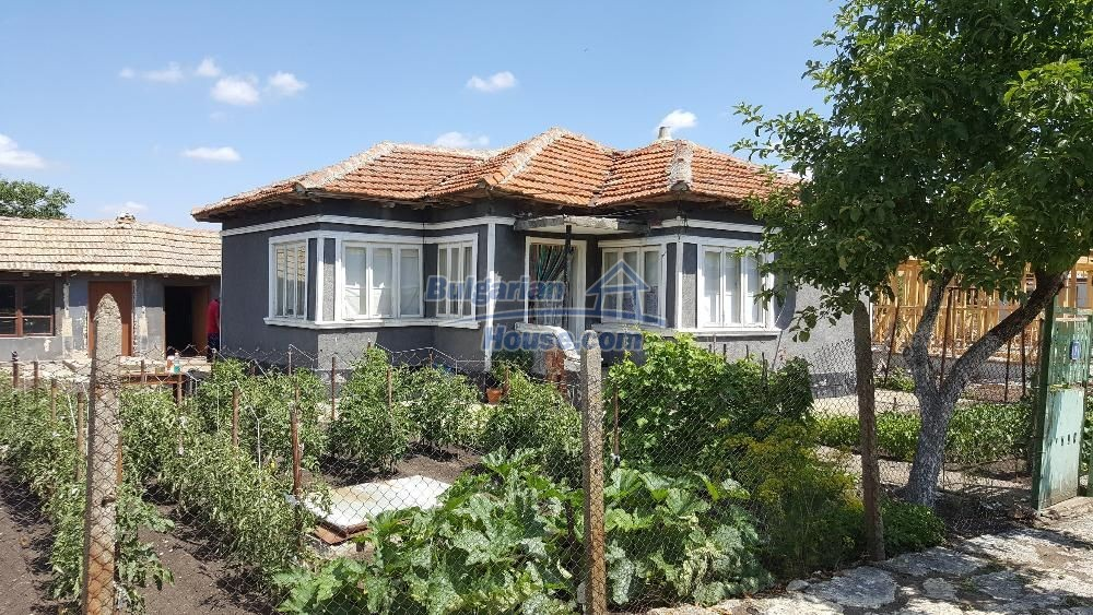 11772:1 - Cheap and beautiful house 5 km away from the beach in Balchik