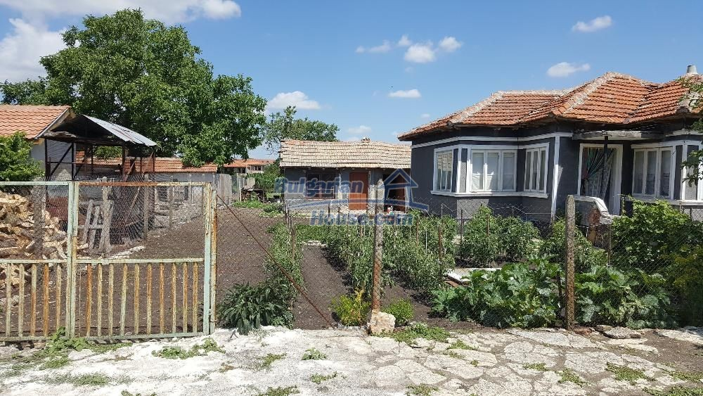 11772:2 - Cheap and beautiful house 5 km away from the beach in Balchik