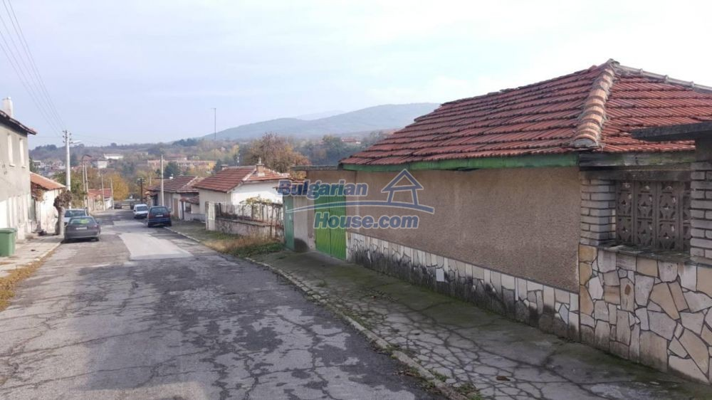 12726:9 - Bulgarian home with 7 outbuildings big garden nice views Plovdiv