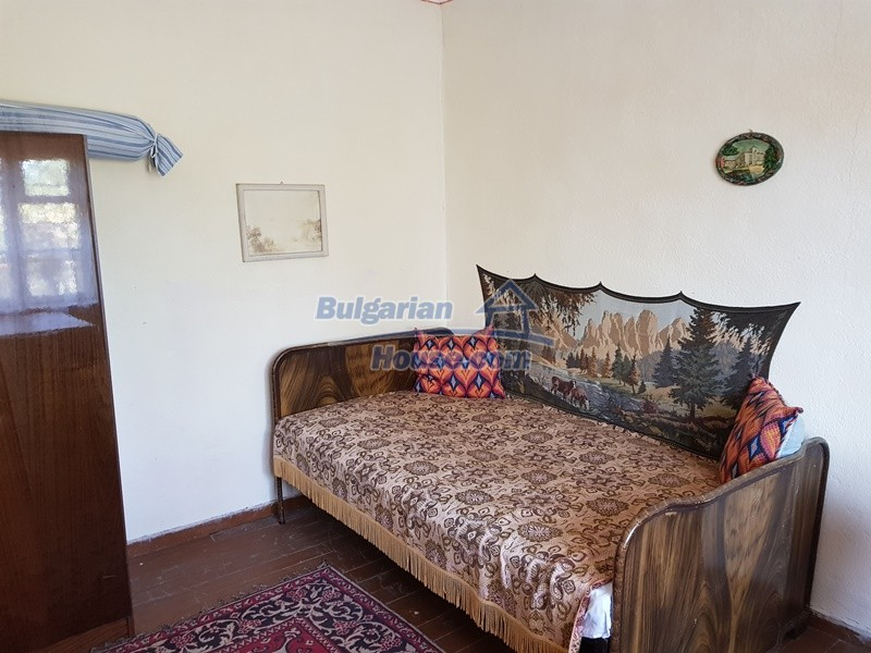 12778:22 - Quiet village, cozy home, beautiful nature, 50 km from Plovdiv