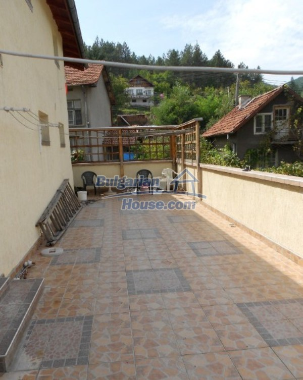 11632:17 - Splendid large house with adorable surroundings near Sofia
