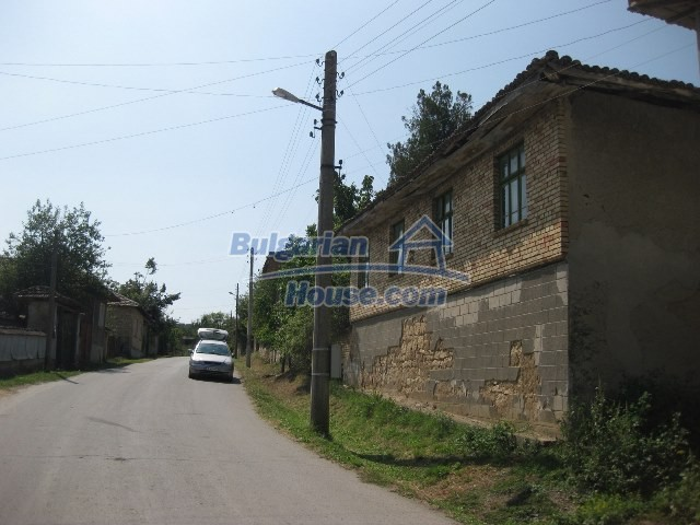11130:7 - Two cheap properties in an illustrious hilly village near Popovo
