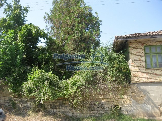 11130:13 - Two cheap properties in an illustrious hilly village near Popovo