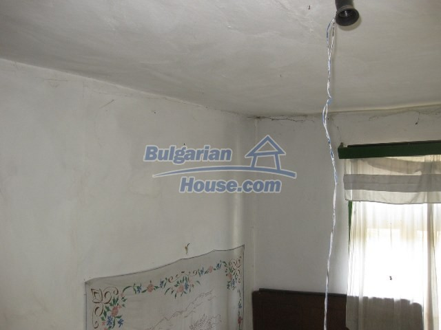 11130:25 - Two cheap properties in an illustrious hilly village near Popovo