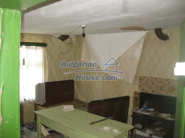 11130:20 - Two cheap properties in an illustrious hilly village near Popovo