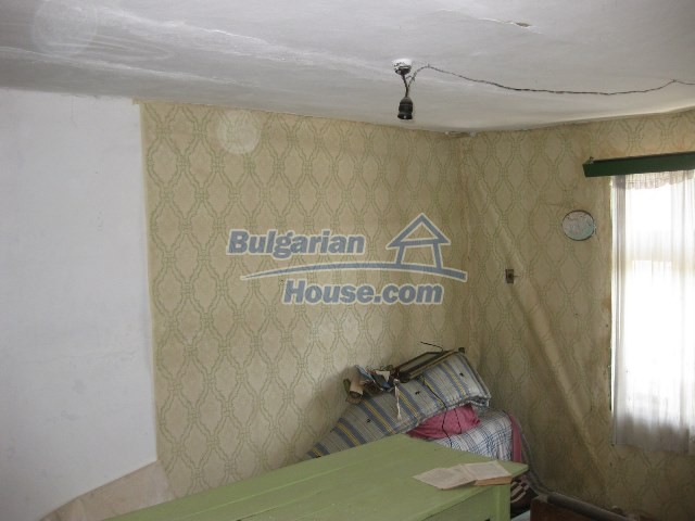11130:29 - Two cheap properties in an illustrious hilly village near Popovo