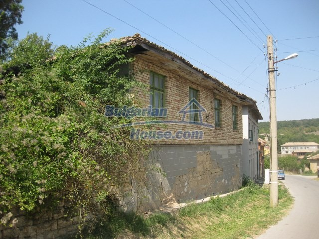 11130:59 - Two cheap properties in an illustrious hilly village near Popovo