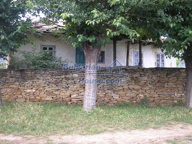 11036:6 - Massive partially furnished rural property in Vratsa region