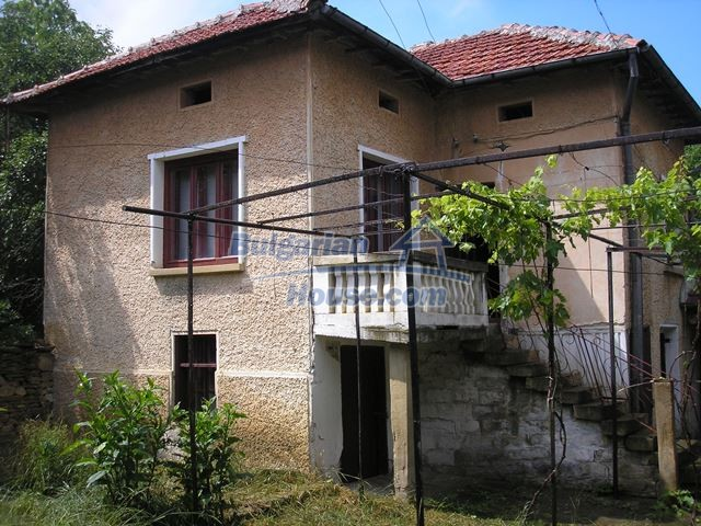 11036:1 - Massive partially furnished rural property in Vratsa region