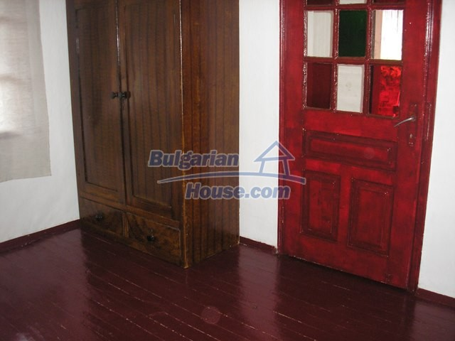 11036:9 - Massive partially furnished rural property in Vratsa region