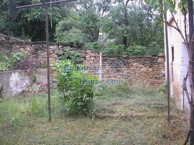 11036:15 - Massive partially furnished rural property in Vratsa region