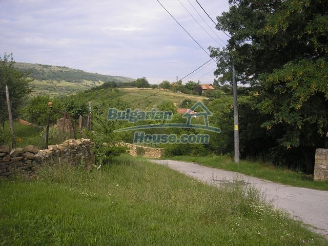 11036:3 - Massive partially furnished rural property in Vratsa region