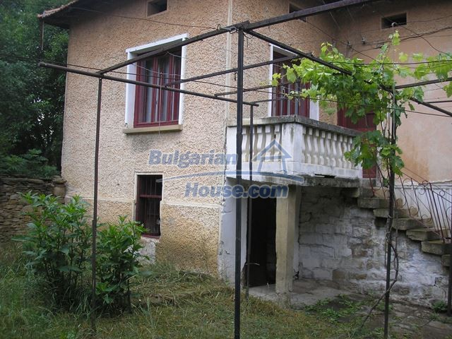 11036:12 - Massive partially furnished rural property in Vratsa region