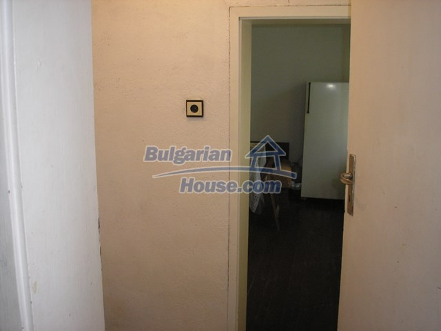 11036:20 - Massive partially furnished rural property in Vratsa region