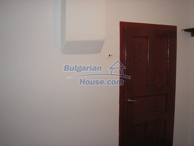 11036:39 - Massive partially furnished rural property in Vratsa region