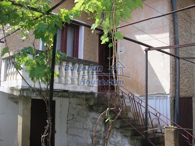 11036:42 - Massive partially furnished rural property in Vratsa region