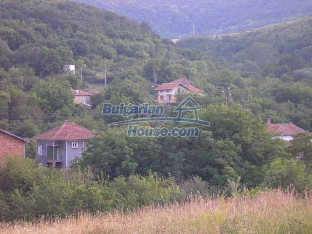 11036:52 - Massive partially furnished rural property in Vratsa region