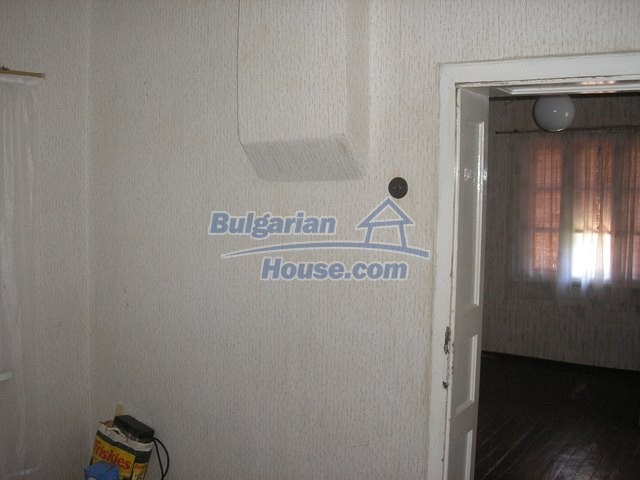 11036:59 - Massive partially furnished rural property in Vratsa region