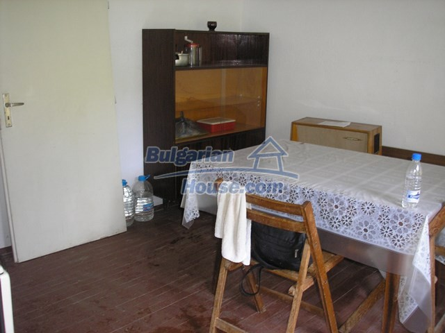 11036:45 - Massive partially furnished rural property in Vratsa region