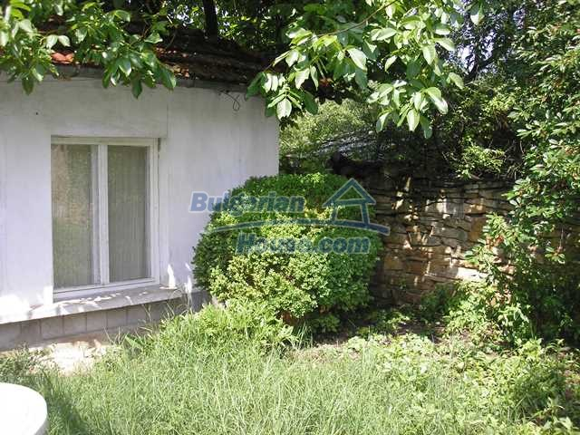 11036:43 - Massive partially furnished rural property in Vratsa region